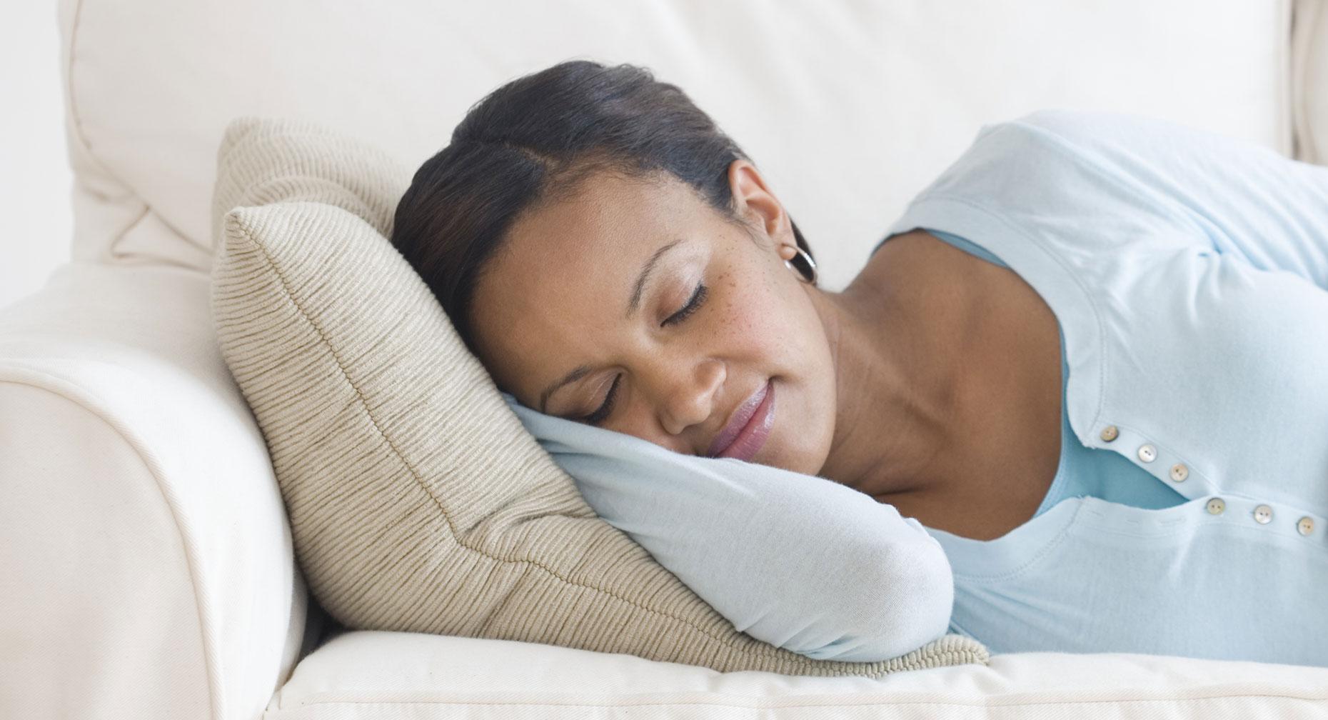 the pros and cons of melatonin as a sleep aid | premier health
